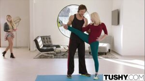 Image Fudendo com o personal trainer a loira gostosa que é bem sem vergonha